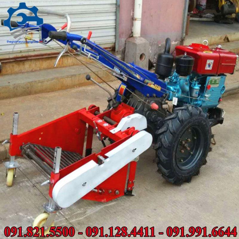 Máy nông nghiệp thu hoạch khoai tây- Máy kéo thu hoạch có động cơ